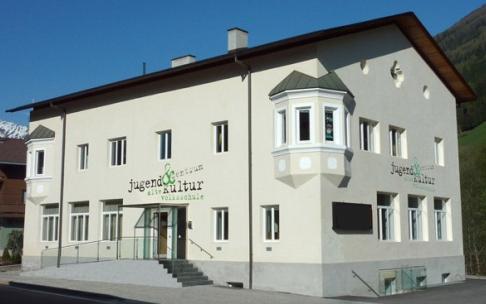 Jugend- und Kulturzentrum | ALTE VOLKSSCHULE